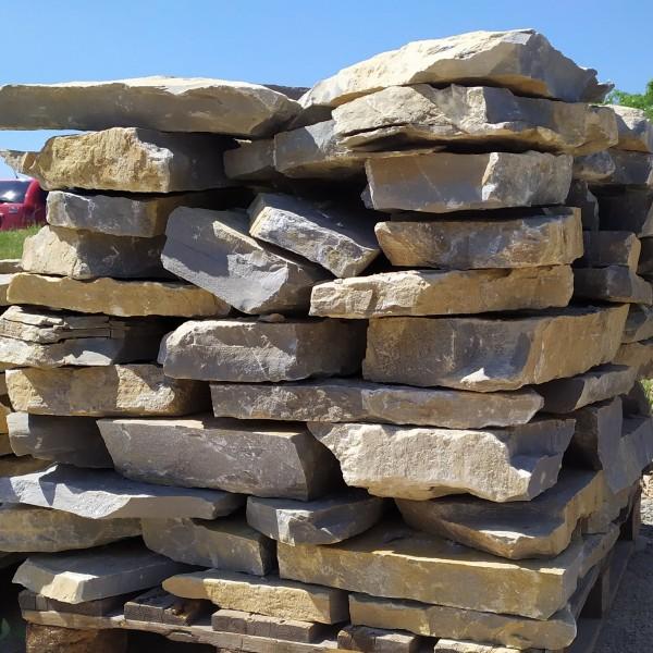 Pískovcový šlapák dlažba výška kamene 40-80 mm