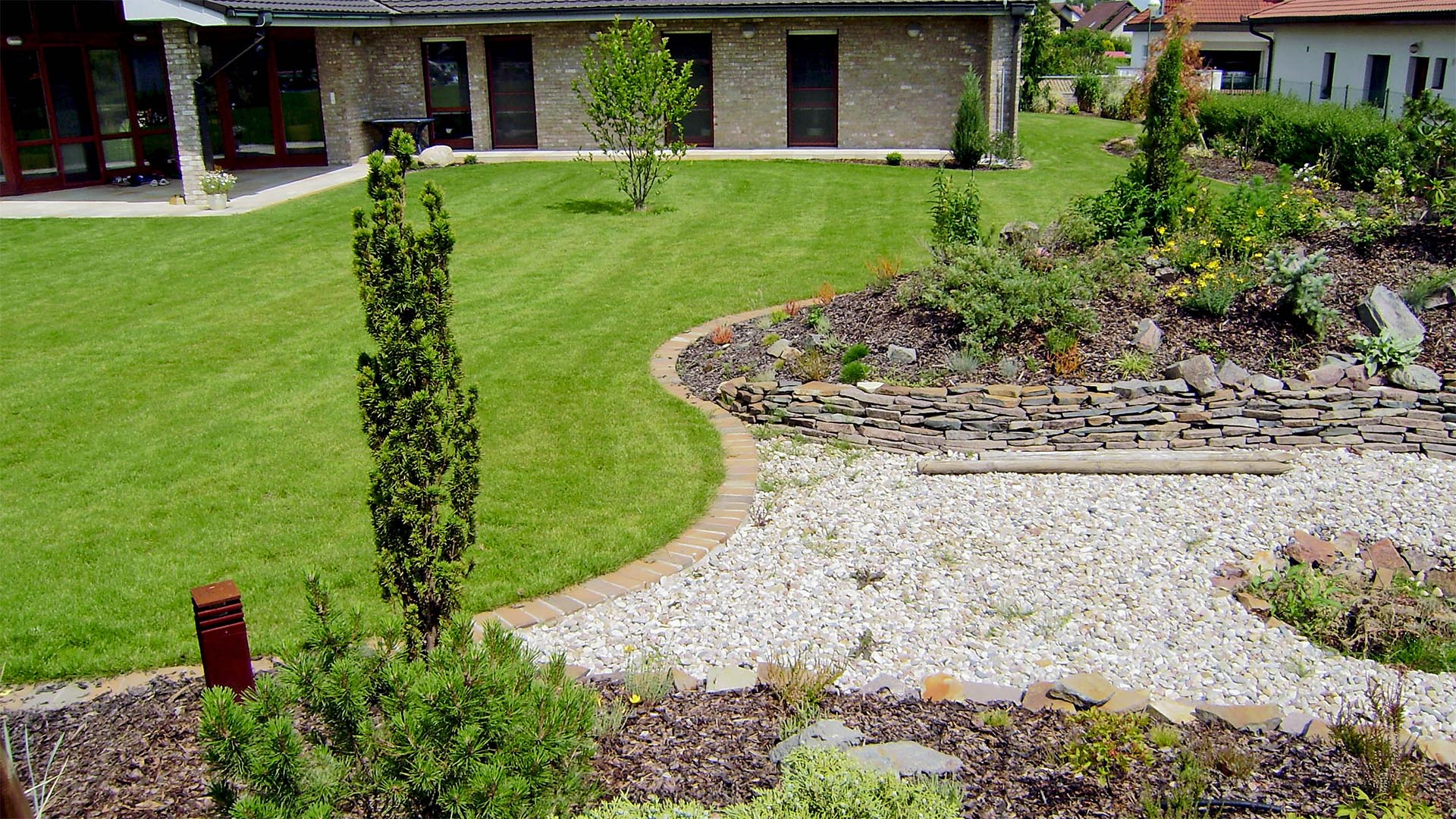 služby - údržba a realizace zahrad